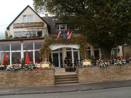 Lindenhof: dit is het hotel aan de voorkant ..heel gezellig