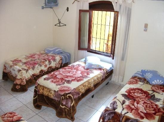 Pousada El Shaddai: 部屋は清潔です。