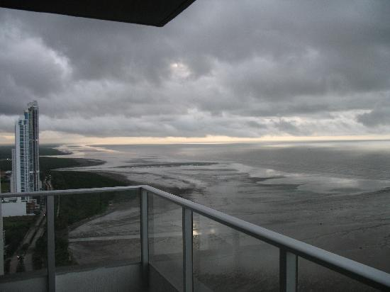 Costa del Este: Vista a Costa Sur , 6:30 am