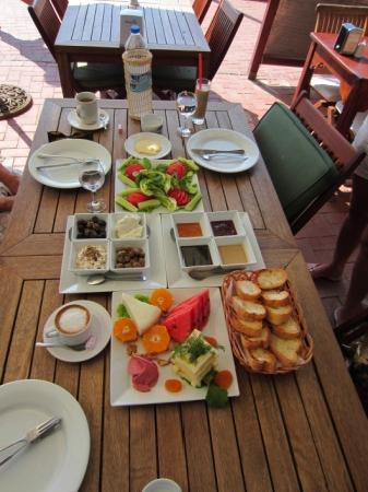 Kiyi Beach Restaurant : Turkish Breakfast