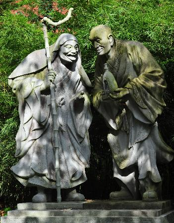 Bamboo Temple (Qióngzhú Sì) : statue of the monks who built this temple