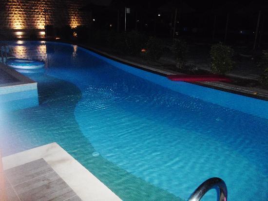 Holiday Village Rhodes: swim up room 5025 pool