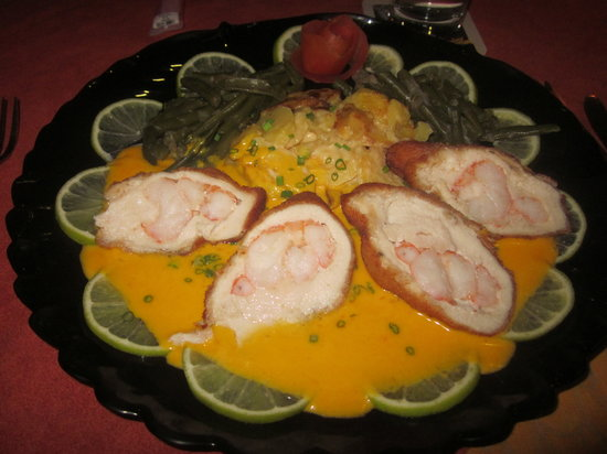 Le Papillon : Schnitzel style: chicken stuffed with shrimp, with a delicious sauce and potatoes to die for