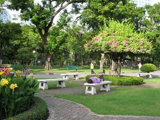 โรงแรมมาเลเซีย: nearby Lumpini Park