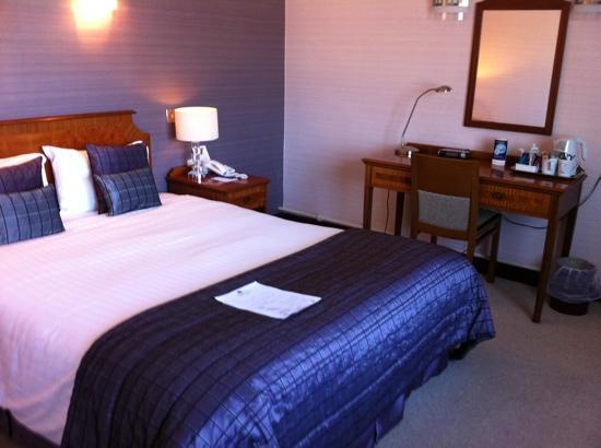Best Western Aberavon Beach Hotel: room 303, back of hotel