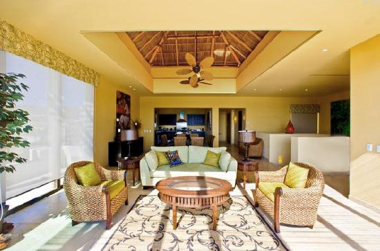 Punta Mita Surf Rental Condos : palapa ceiling living area