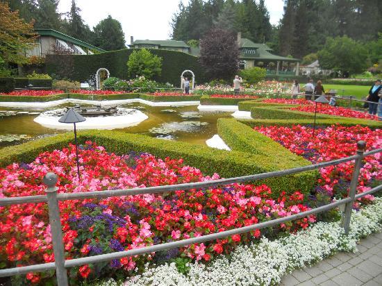The Butchart Gardens: Star Pond