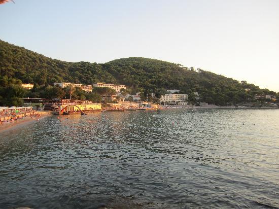 Milena's Apartments: Lapad beach is 7 min walk