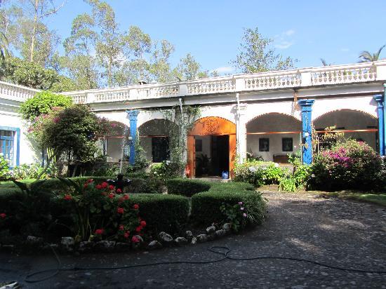 Hacienda Pinsaqui: Arrival at the Hacenda