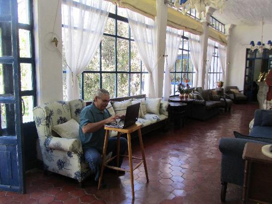 Hacienda Pinsaqui: relaxing area at the hacenda