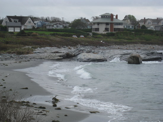 Castle Hill Inn: View of beach cottages from beach house