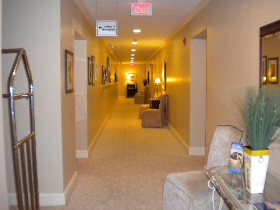 Hotel Riverwalk: The Clarendon Inn's hallway