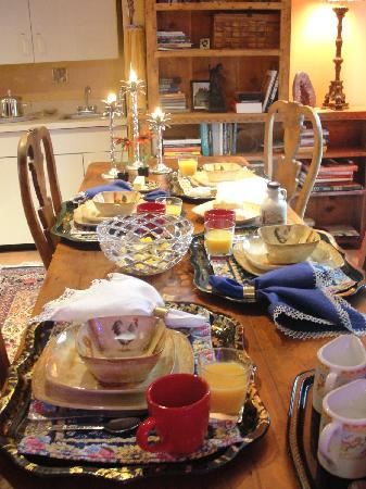 A Mountain View Retreat: A wonderful breakfast!!!