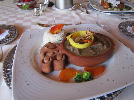Cotacachi Food Guide: 10 Must-Eat Restaurants & Street Food Stalls in Cotacachi