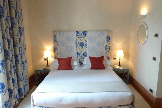 Castello del Nero Hotel & Spa: Bedroom