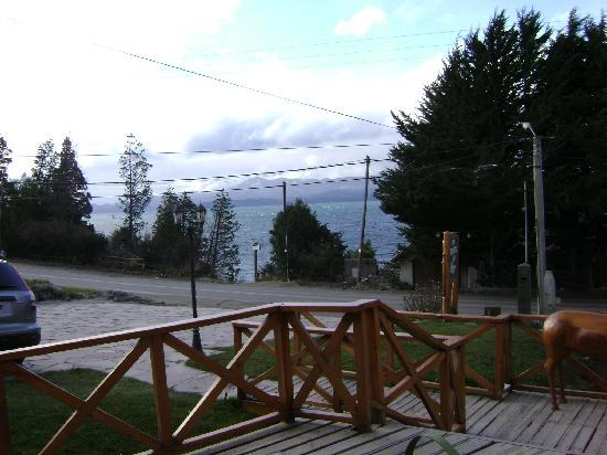 Apart Hotel del Arroyo: la vista al lago