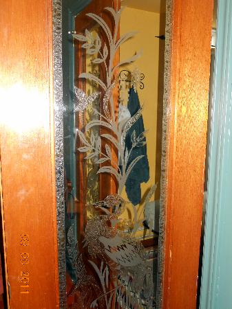 Au GitAnn B&B : Glass doors between rooms