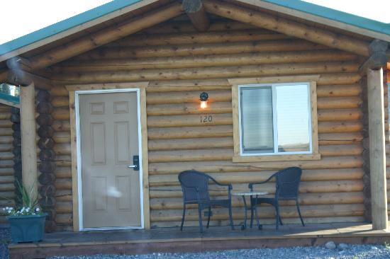 Cody Cowboy Village: front view cabin