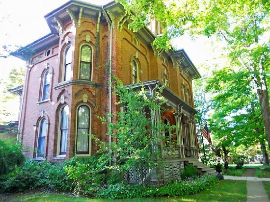 Photo of The Victorian Villa Inn Union City