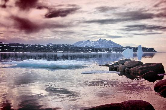 Leelie Lodge: Grounded Iceburgs