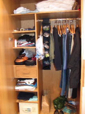 เบส2สเตย์เคนซิงตัน: closet