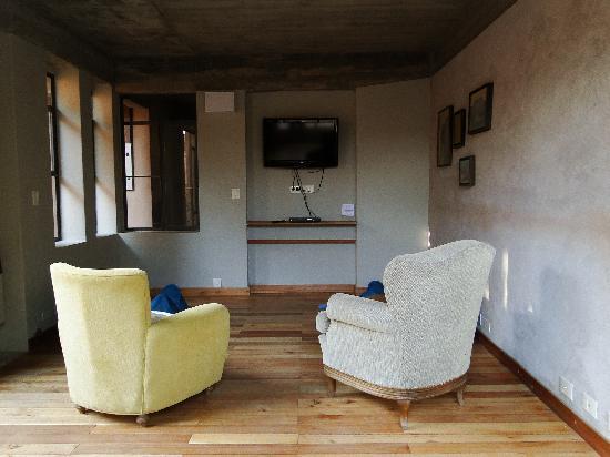 Patio Alto : El área con la TV para ver películas