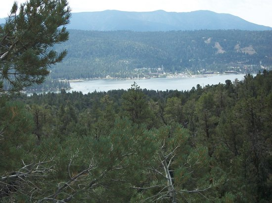 Big Bear Discovery Center : 2 mile hike - view