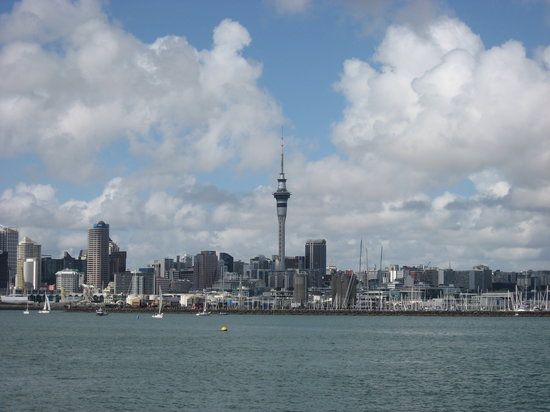 Fullers Auckland Harbour Cruise: View of Auckland from Fullers harbour Cruise boat