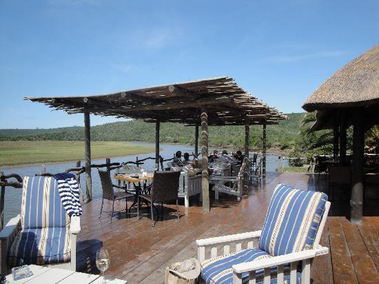 Kariega River Lodge: Relaxing !!