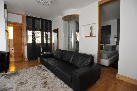 Hotel Una: Room Santana
