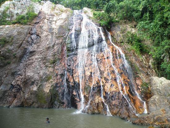 Na Muang Waterfall: Na Muang 1