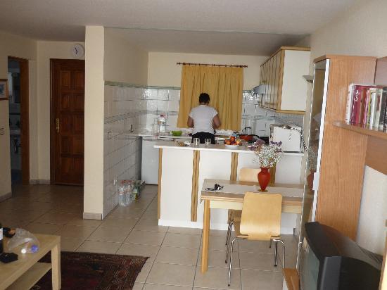Residencial Rolando: Küche