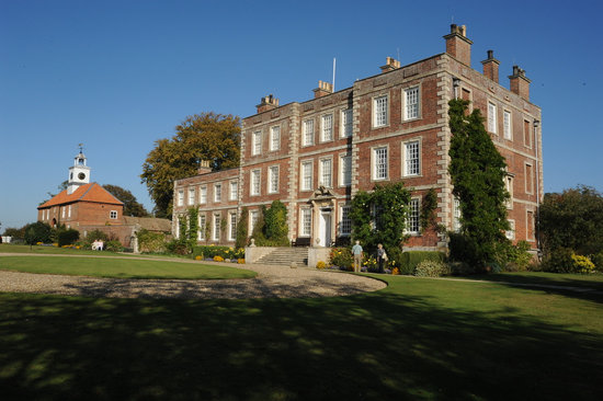 Spilsby, UK: Gunby Hall's impressive front entrance