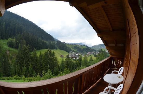 Hotel Comploj: Vista dalla nostra camera posta sul retro