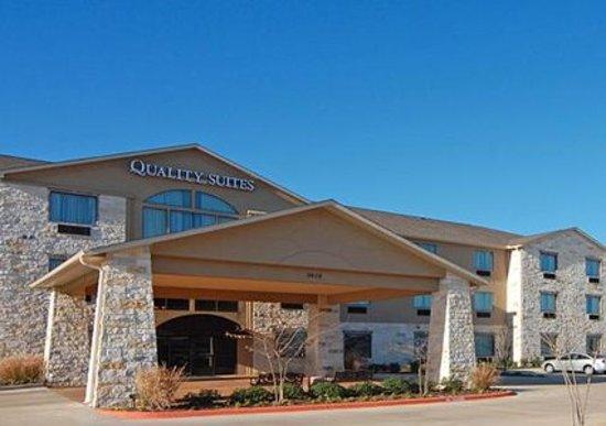 quality suites hotel reviews college station tx. Black Bedroom Furniture Sets. Home Design Ideas