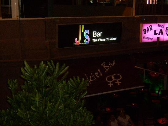 Yumbo Centrum: j's bar