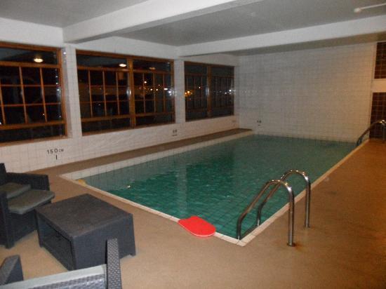 Scandic Sodertalje: swimming pool