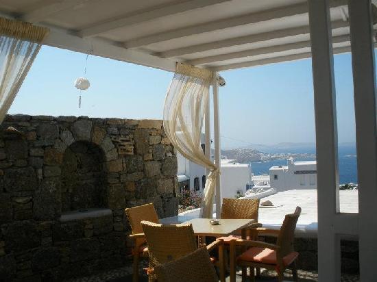 Damianos Hotel: breakfast location