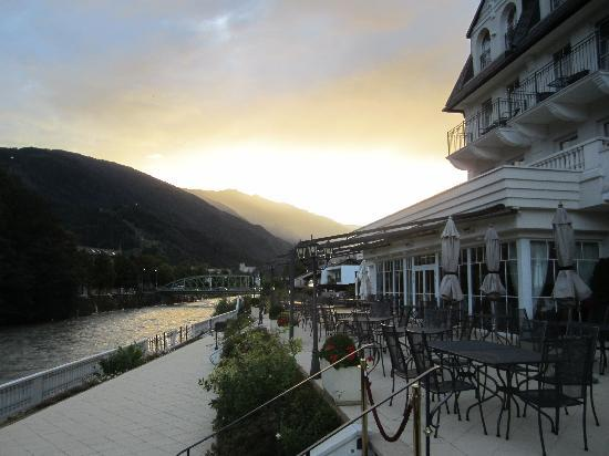 Grand Hotel Lienz: Sunset as viewed from hotel