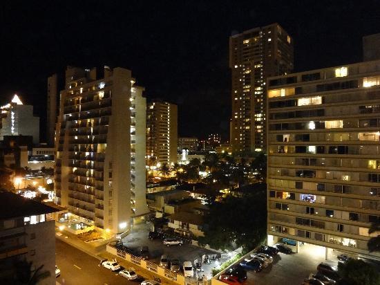 إليما هوتل: 夜景