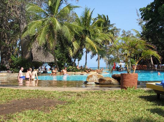 Papillon Lagoon Reef: Pool area