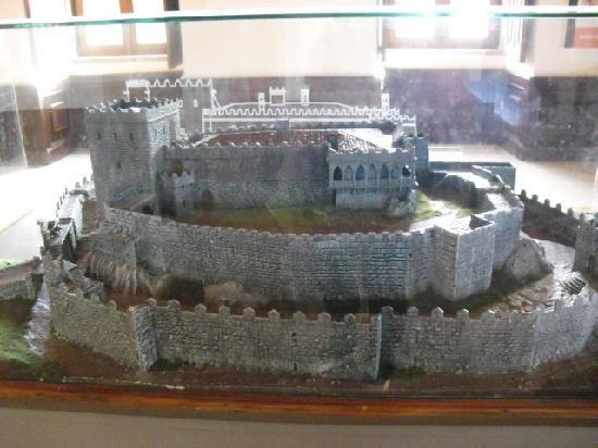 Castelo de Soutomaior: maqueta castillo
