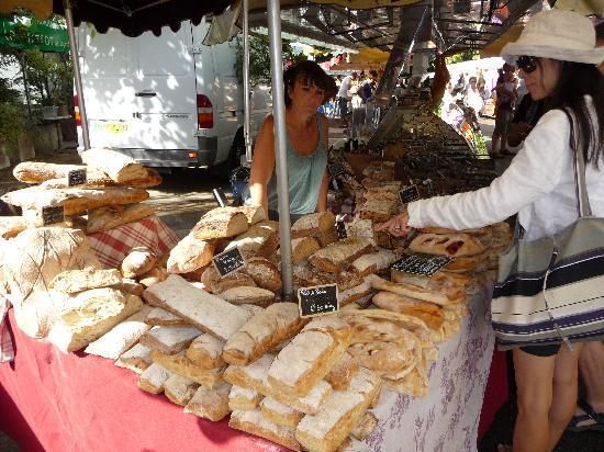 Villa Saint Louis : Markt in Lourmarin