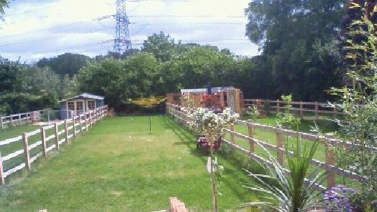 Pembroke House: 小さいが心地よい裏庭