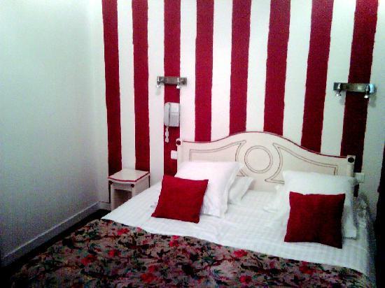 Hotel Le Saint-Pierre : chambre cosy n°21 - 3ème étage