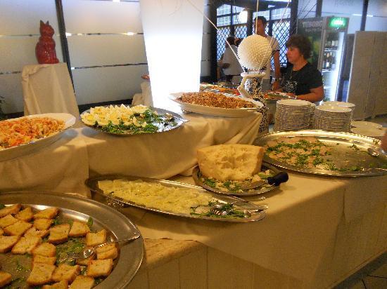 La  Buca del Gatto Hotel: piccola parte del buffet cena