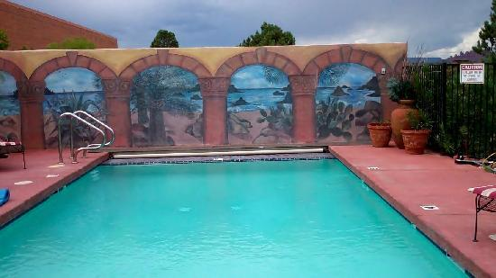 A Sunset Chateau: Even the pool was a work of art