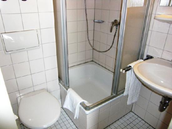 Hotel Klemm : Badezimmer - makellos sauber