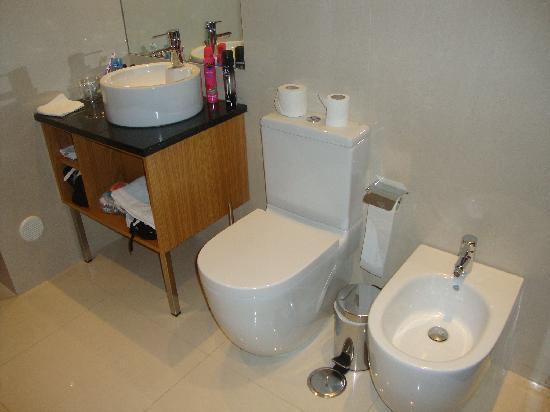 Agua Hotels Riverside: salle de bains