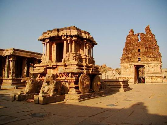 Hotel Krishna Palace: Hampi, Le chariot du temple de Vitthala